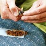 Drogenbericht 2014: Hoher Konsum von Rauschmitteln und Medikamenten